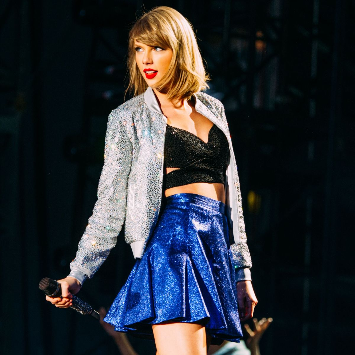 TAYLOR SWIFT at 1989 W... Taylor Swift Tour