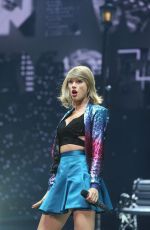 TAYLOR SWIFT Performs at 1989 World Tour in Glasgow