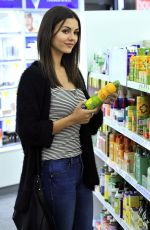 VICTORIA JUSTICE Buying Sunscreen at Whole Foods in Los Angeles