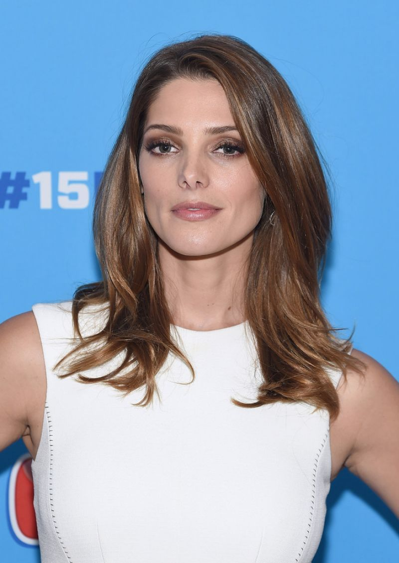 ASHLEY GREENE at #15minreno Ideas with Mr. Clean in New ...