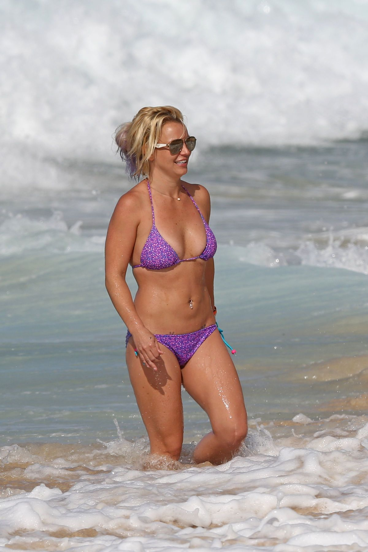 Hawaii bikini wet