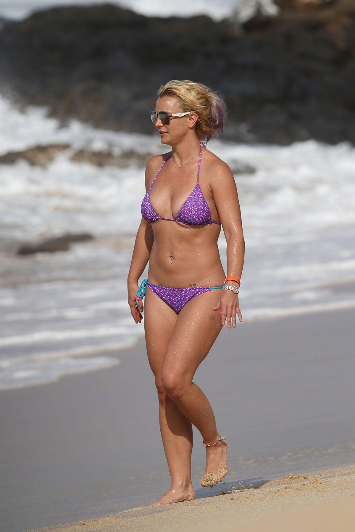 Brittney Spears In A Bikini 113
