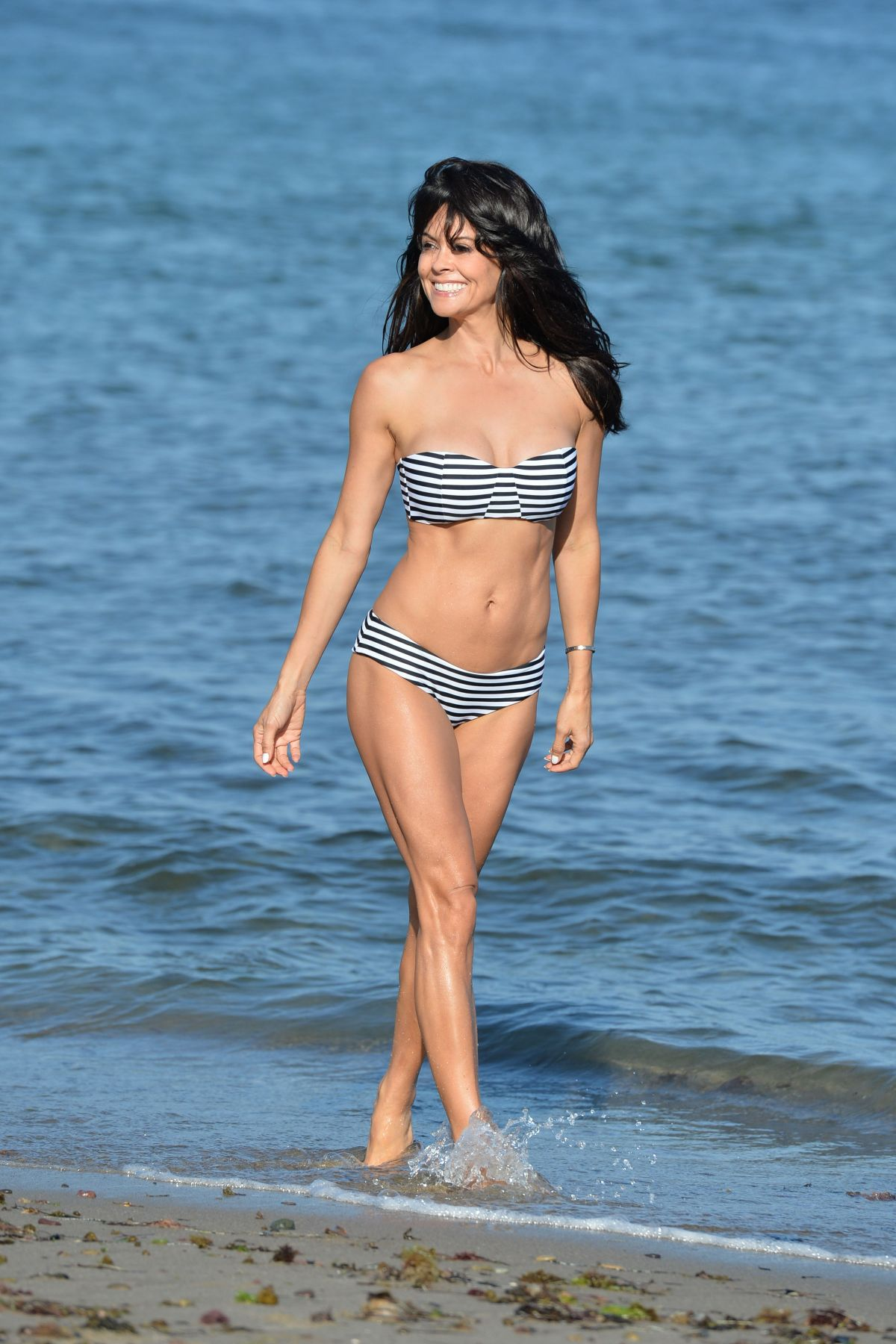 Bikini Brooke Burke nudes (21 photos), Ass, Cleavage, Feet, cameltoe 2017