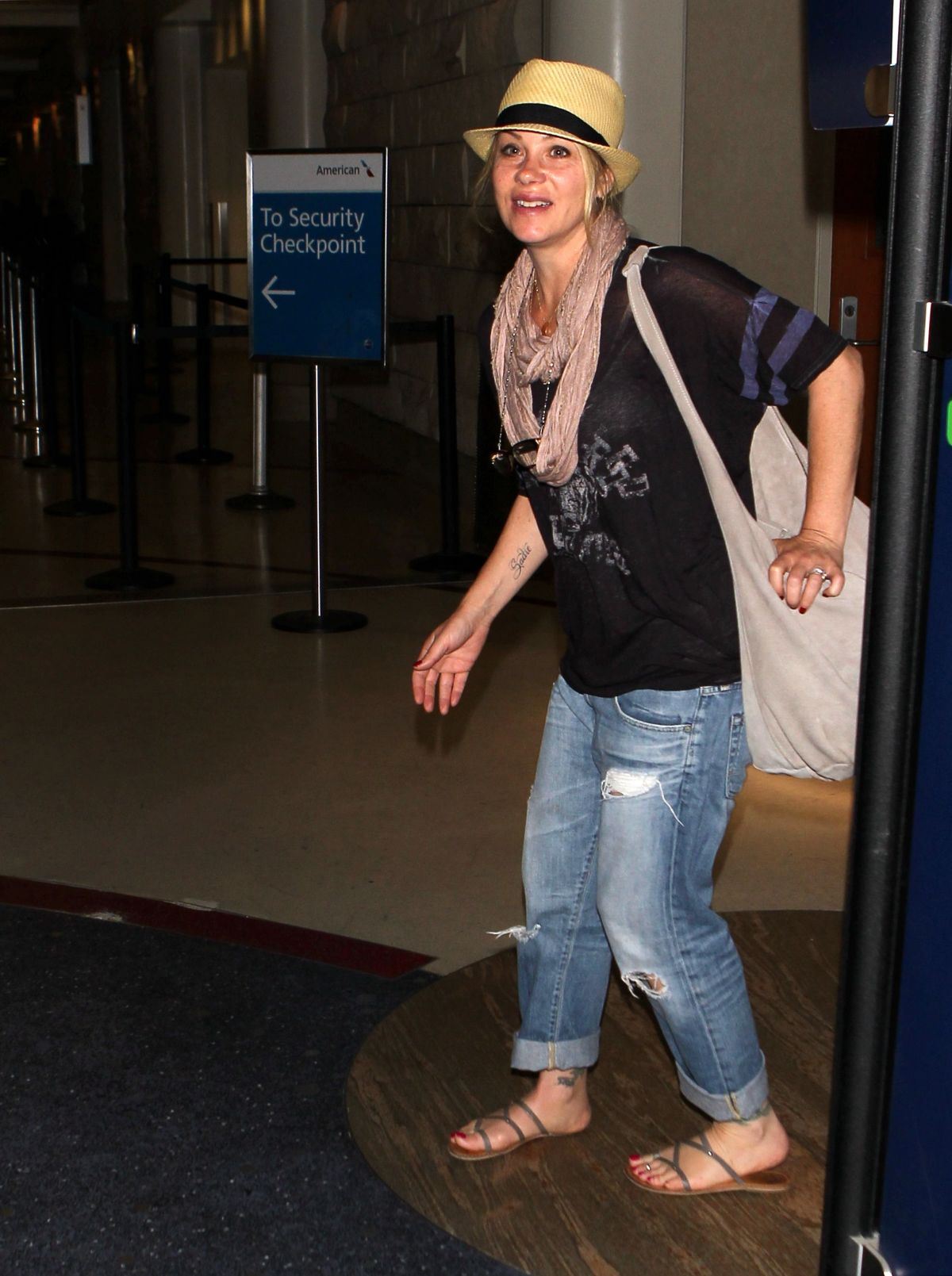 CHRISTINA APPLEGATE at Los Angeles International Airport 07/25/2015