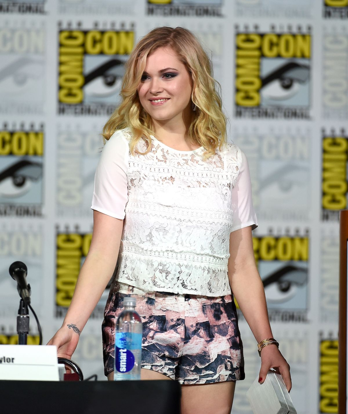 ELIZA TAYLOR at Fan Favorites Panel at Comic Con in San Diego