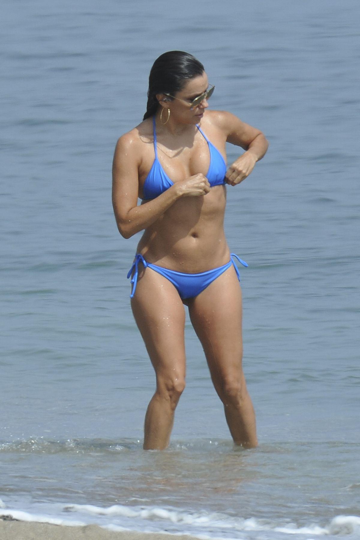 eva-longoria-itsy-bitsy-bikini