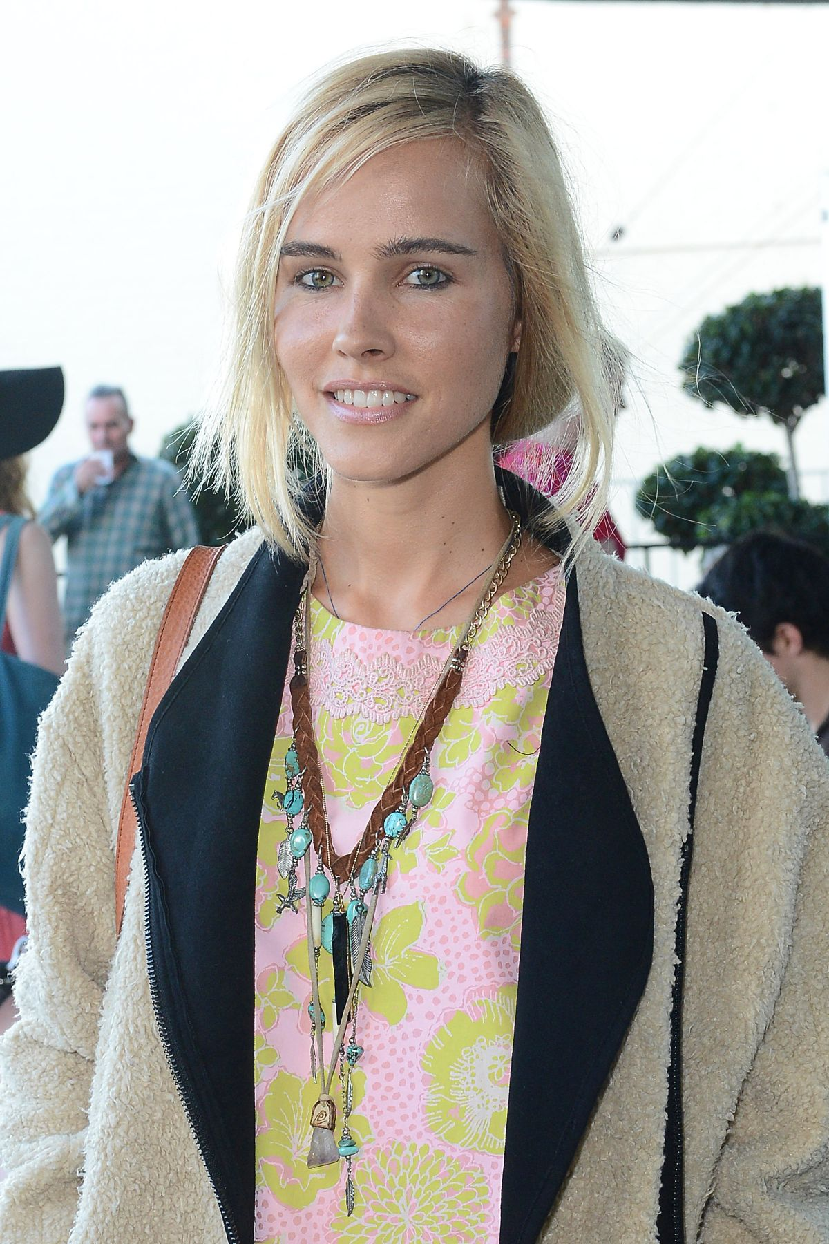 isabel lucas - photo #15