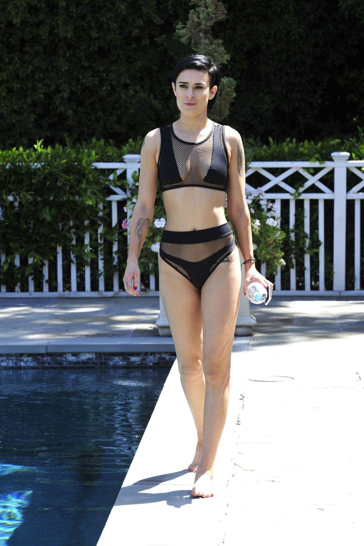 Bikini Emma Willis naked (85 photo), Ass, Leaked, Instagram, cameltoe 2019