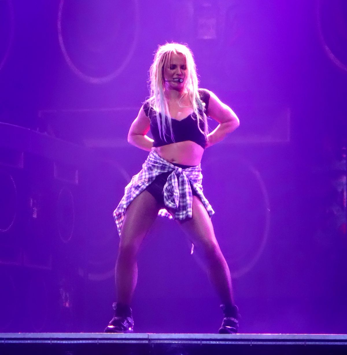 BRITNEY SPEARS Performs at Planet Hollywood in Las Vegas 08/21/2015 ...