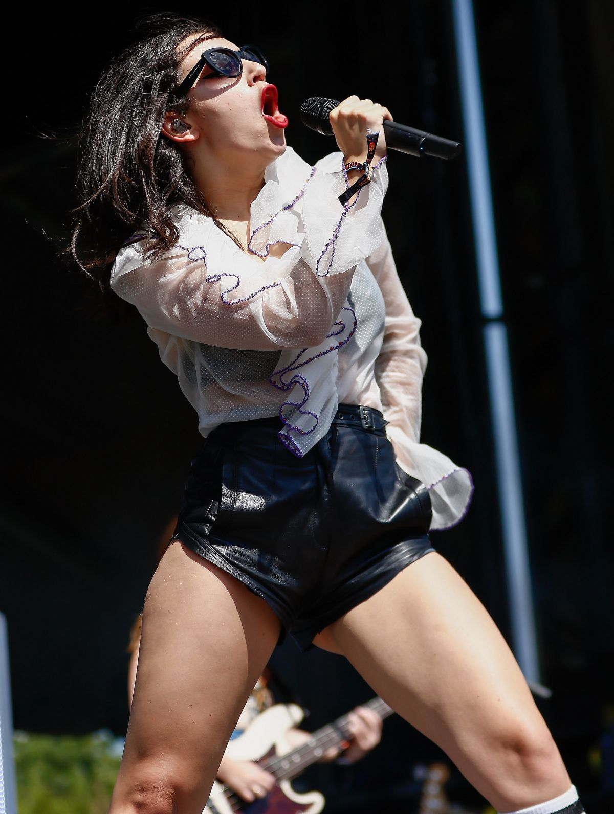 CHARLI XCX Performs at Lollapalooza in Chicago 08/01/2015