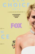 CHELSEA KANE at 2015 Teen Choice Awards in Los Angeles