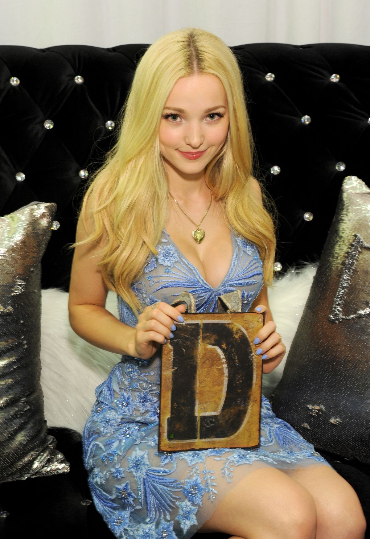 Dove cameron sex