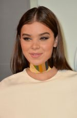 HAILEE STEINFELD at MTV Video Music Awards 2015 in Los Angeles