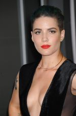 HALSEY at MTV Video Music Awards 2015 in Los Angeles