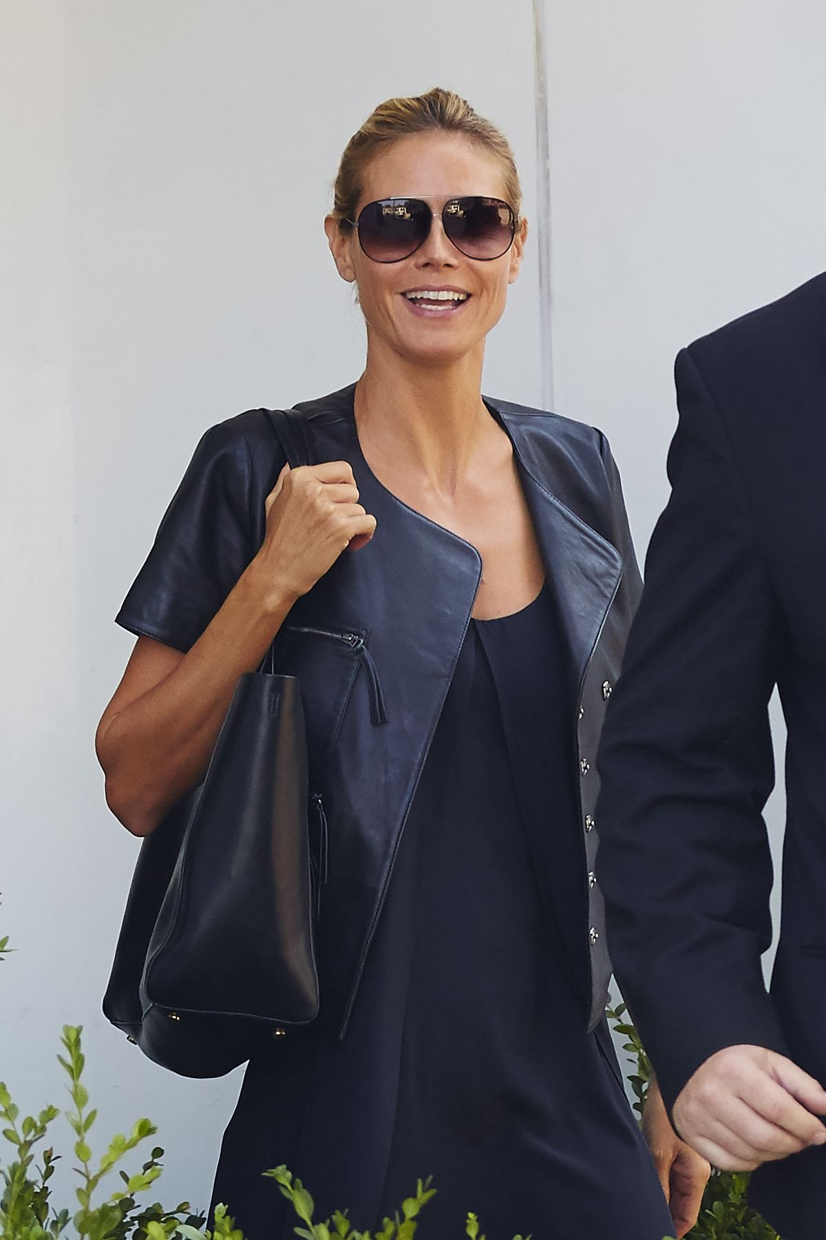 HEIDI KLUM Leaves Her Residence in West Village 08/25/2015