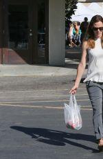 JENNIFER GARNER Shopping at Farmer