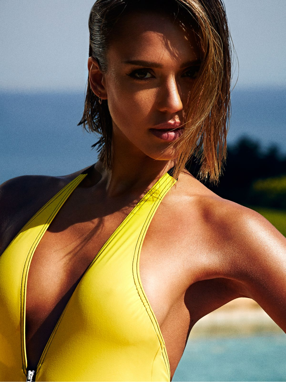 Jessica Alba Biography - Facts, Childhood, Family Life
