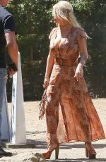 JESSICA SIMPSON Out and About in Calabasas 08/24/2015