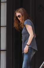 JULIANNE MOORE Leaves Her Home on West Village 08/25/2015