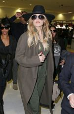 KHLOE KARDASHIAN Arrives at Airport in Sydney 08/02/2015