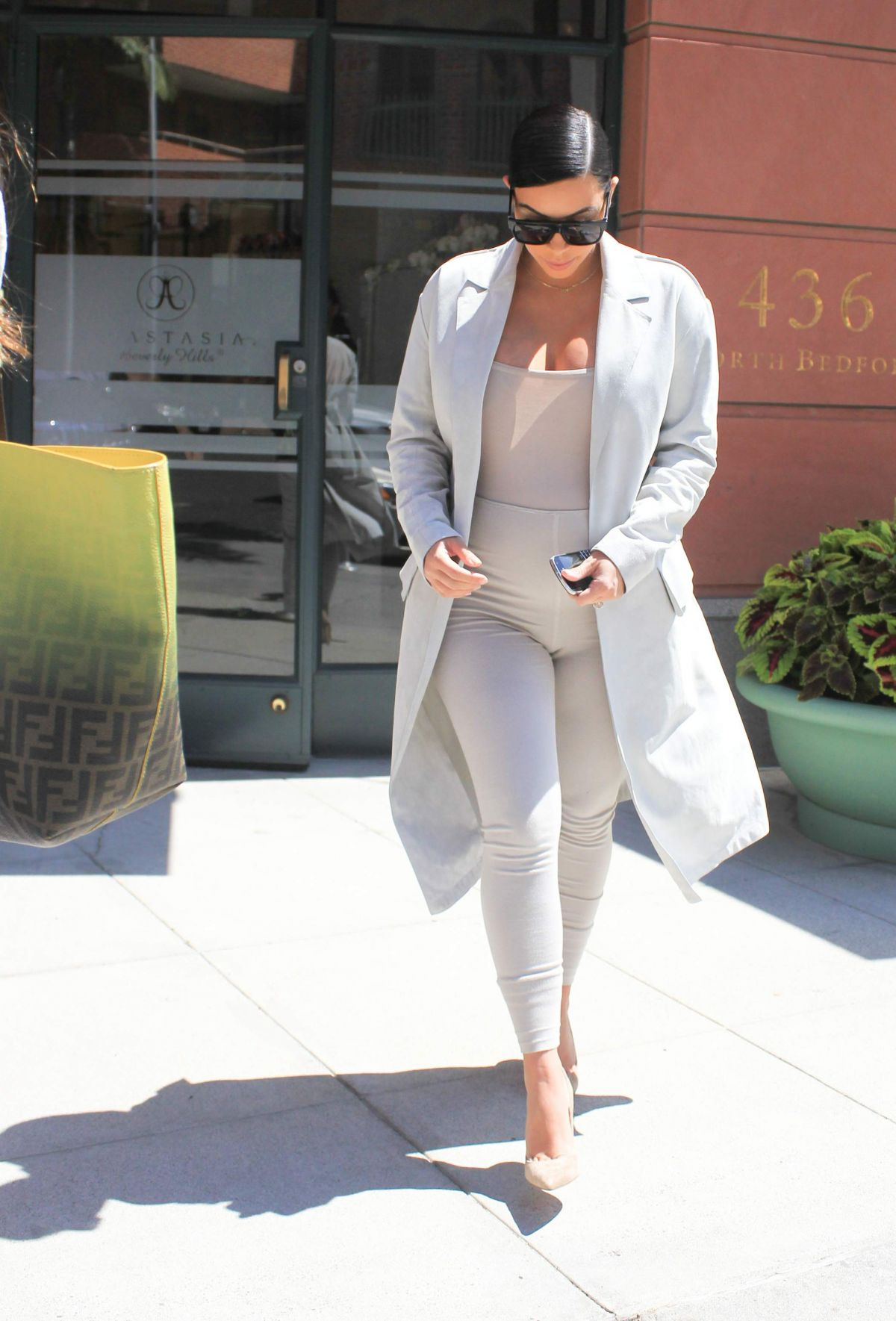 KIM KARDASHIAN Out and About in Los Angeles 08/28/2015