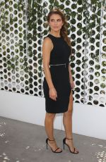 MARIA MENOUNOS Finishes Up Her First Week as E! News Anchor in Los Angeles 08/14/2015