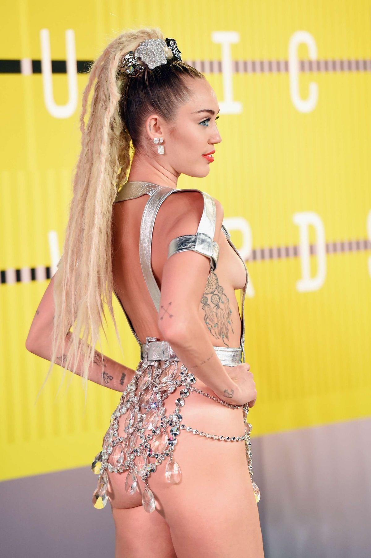 Miley cyrus los angeles 2014 concert highlights 4