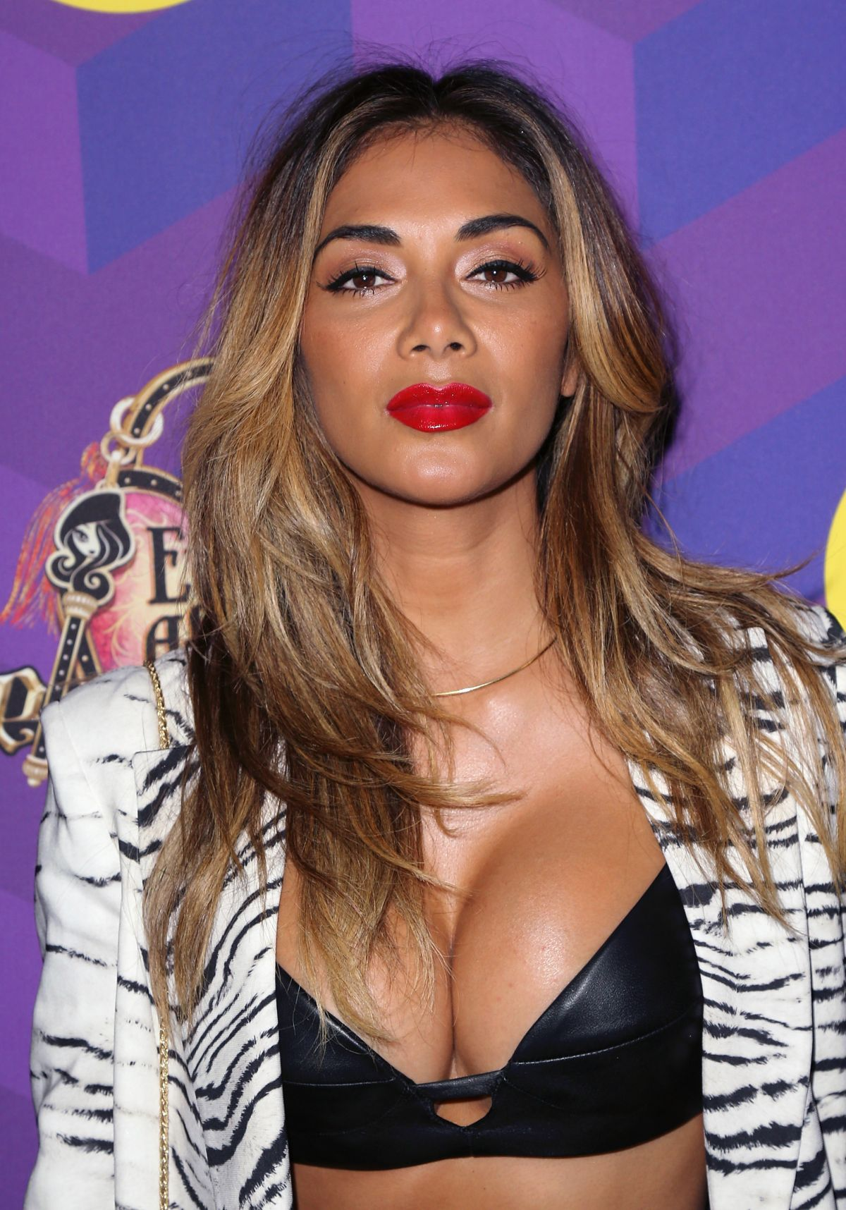 Nicole Scherzinger earned a 1.5 million dollar salary - leaving the net worth at 8 million in 2017