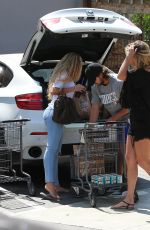 RACHEL HUNTER Shopping at Bristol Farms in West Hollywood 08/07/2015