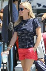 REESE WITHERSPOON at Blue Plate Taco in Santa Monica 08/15/2015