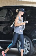 ROSIE HUNTINGTON-WHITELEY Arrives at a Gym in Los Angeles 08/25/2015