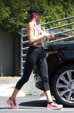 ROSIE HUNTINGTON-WHITELEY in Tights Leaves a Gym in Los Angeles 08/24/2015