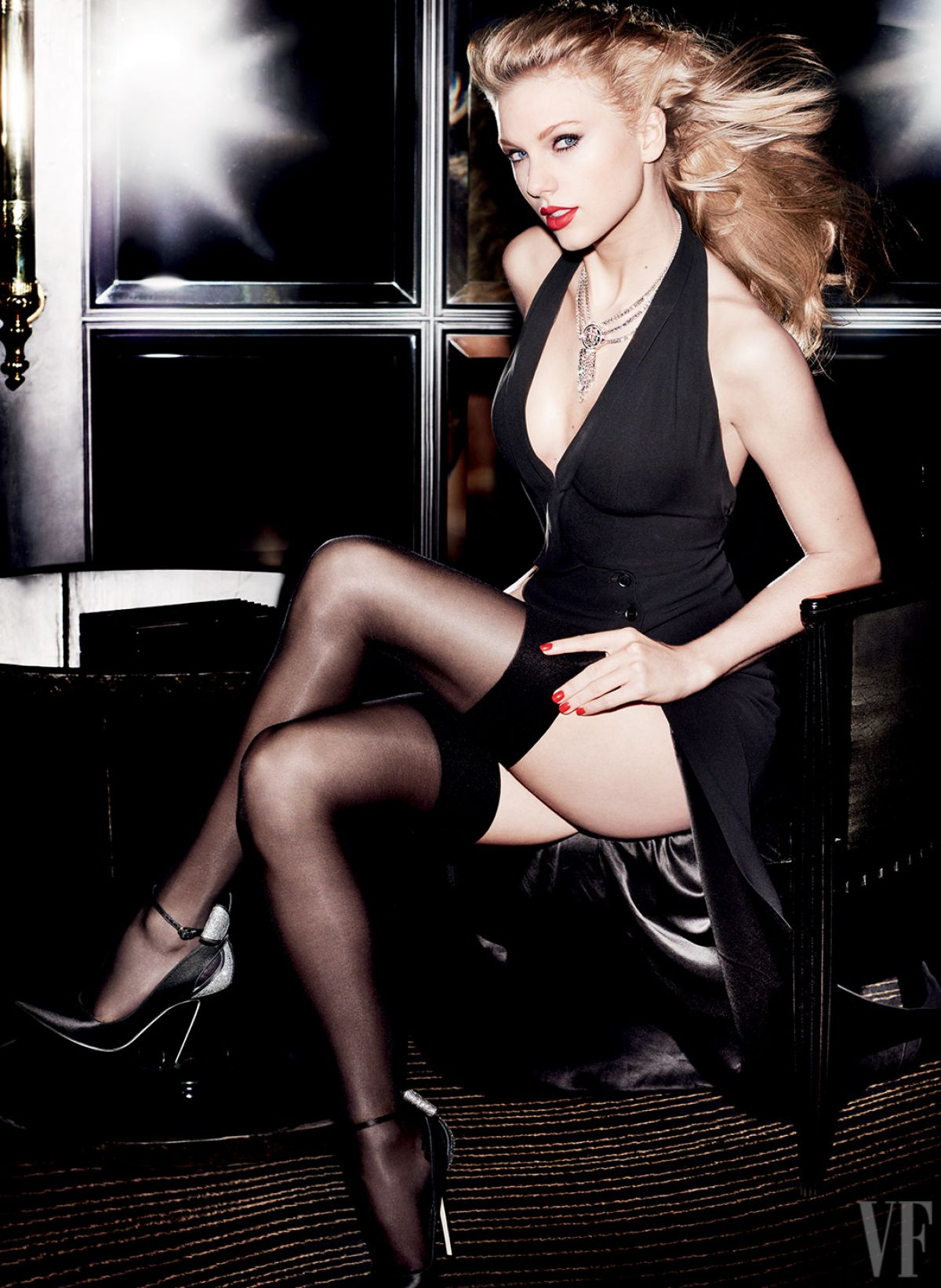 TAYLOR SWIFT for Vanity Fair Magazine by Mario Testino, September 2015 Issue