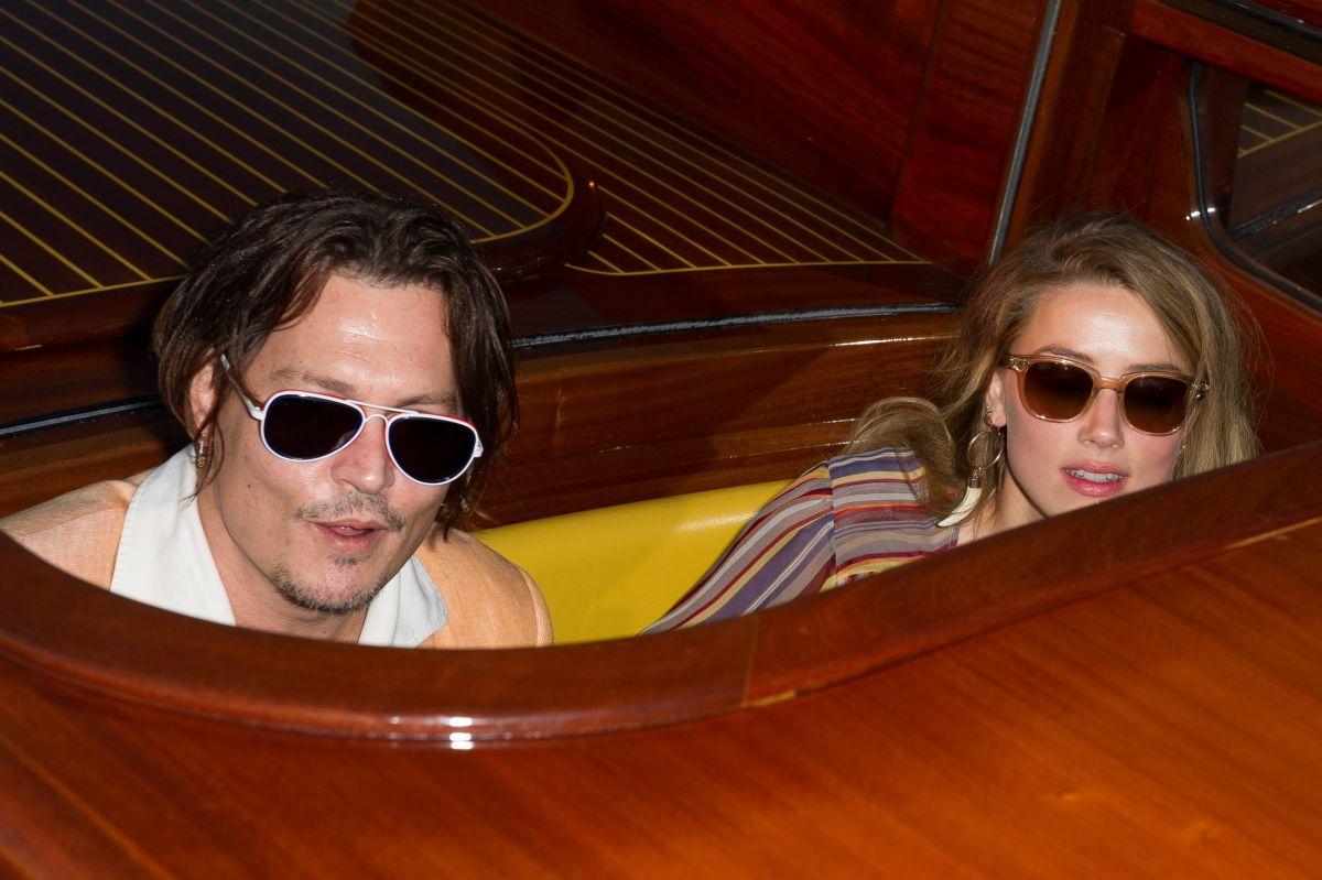 AMBER HEARD and Johny Depp at Boat Ride in Venice 09/06/2015