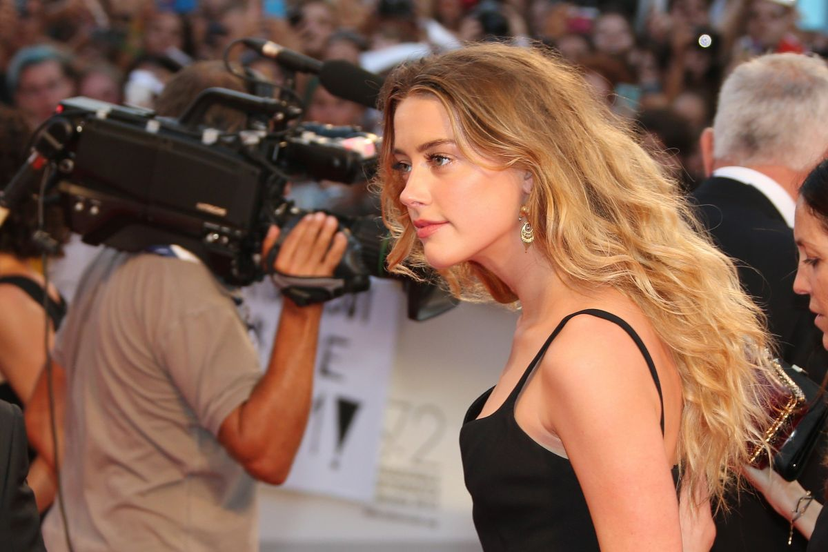AMBER HEARD at Black Mass Premiere at 72nd Venice Film Festival