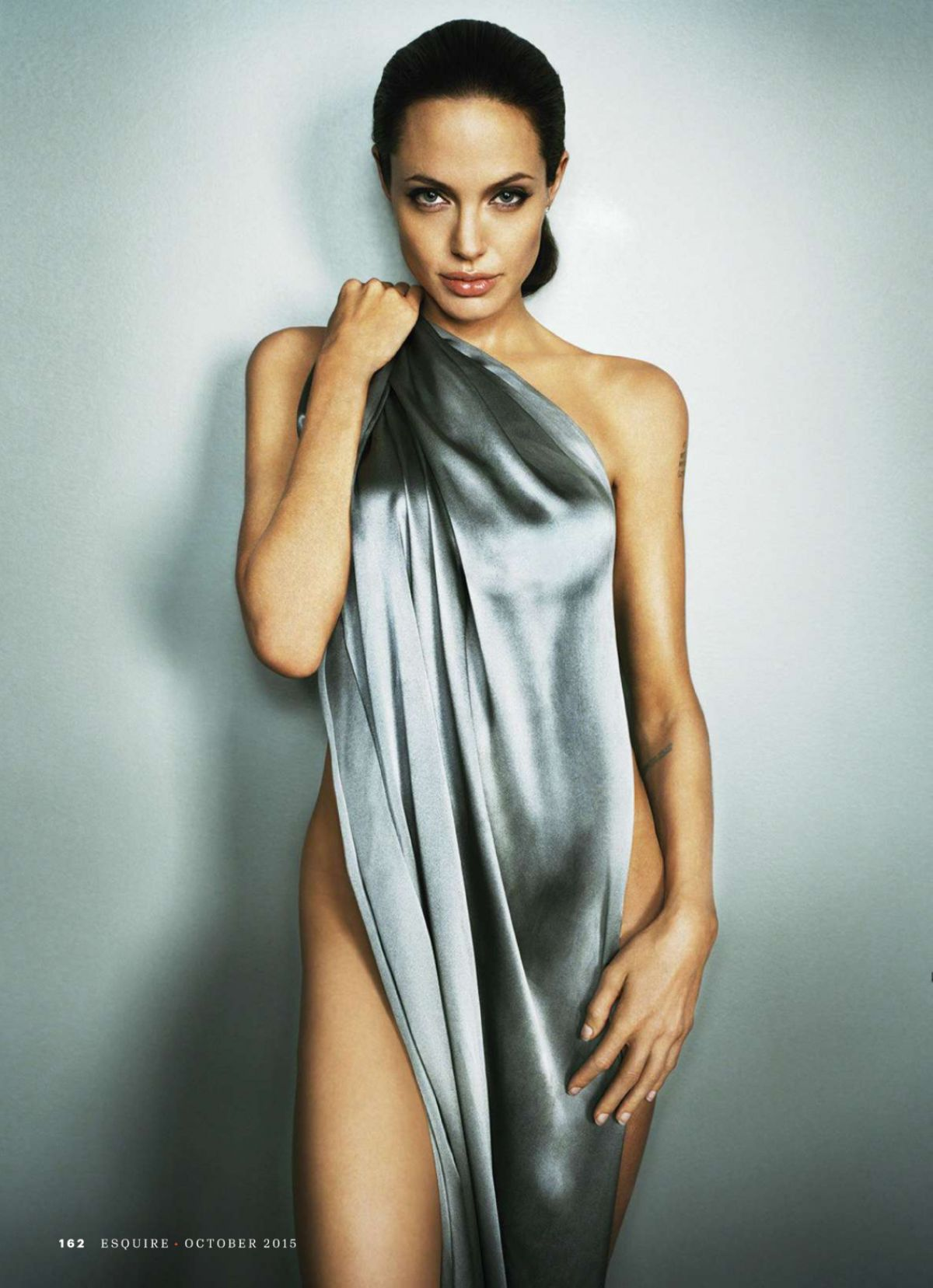 Angelina Jolie Archives - Page 2 of 9 - HawtCelebs - HawtCelebs