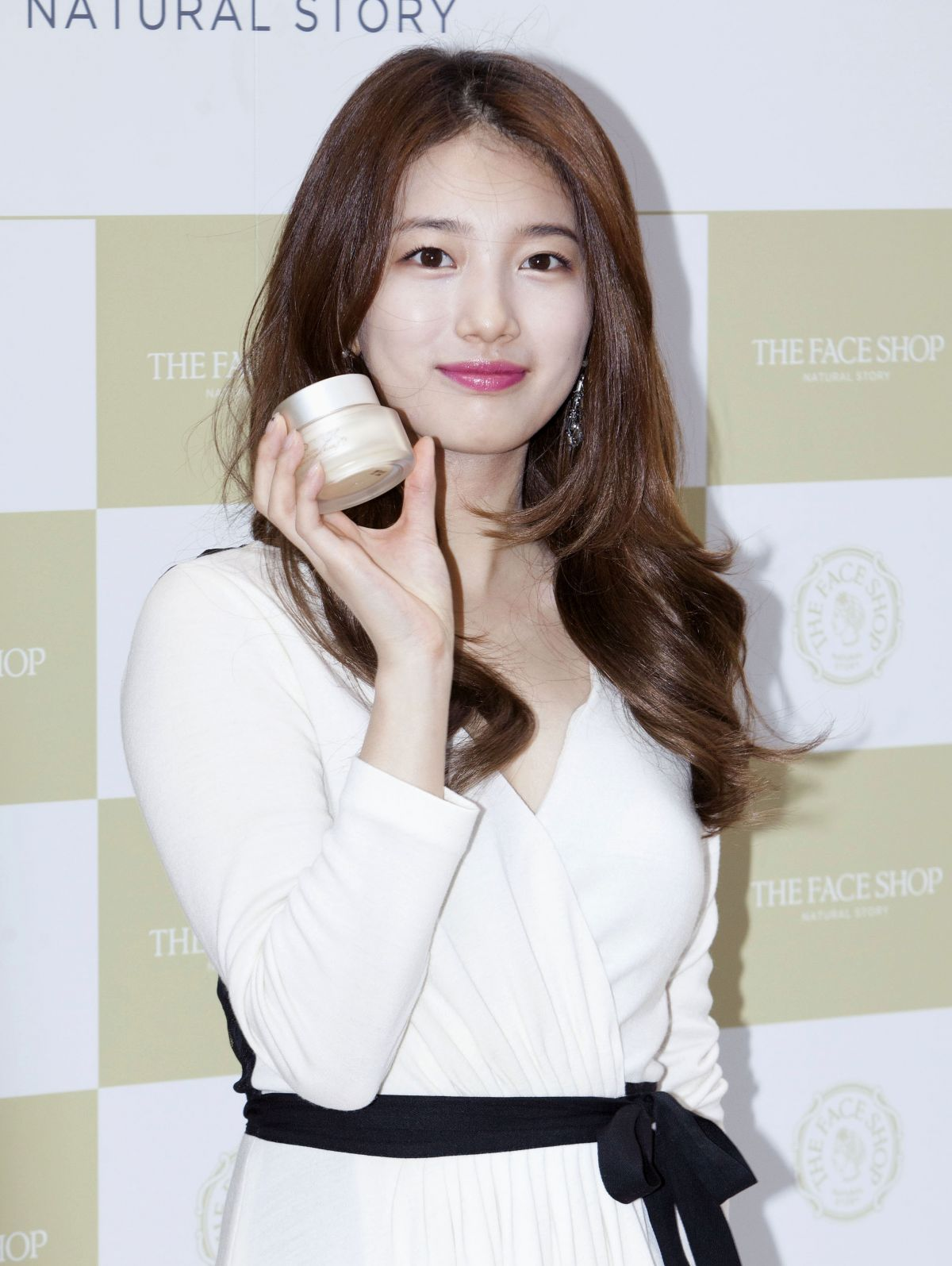 BAE SUZY at The Face Shop Store Photocall in Seoul 09/19/2015