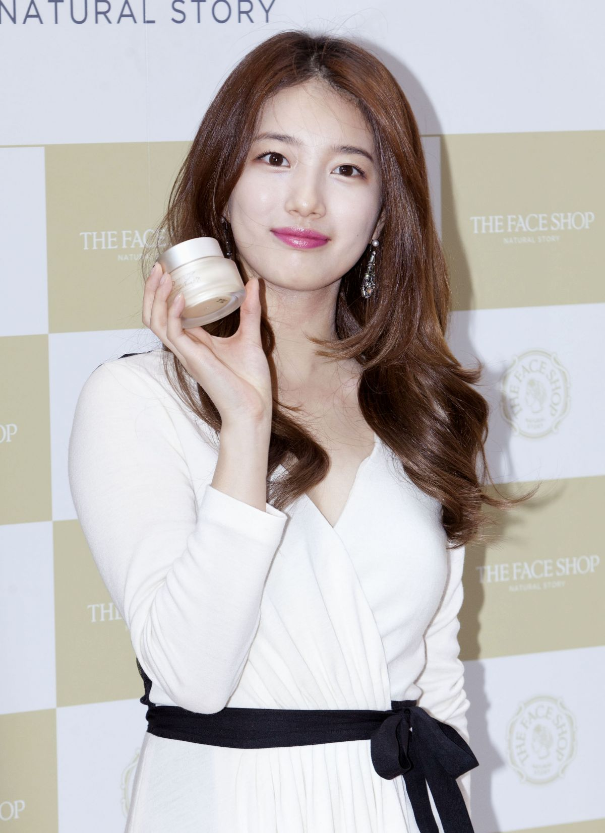 Bae Suzy At The Face Shop Store Photocall In Seoul 09 19