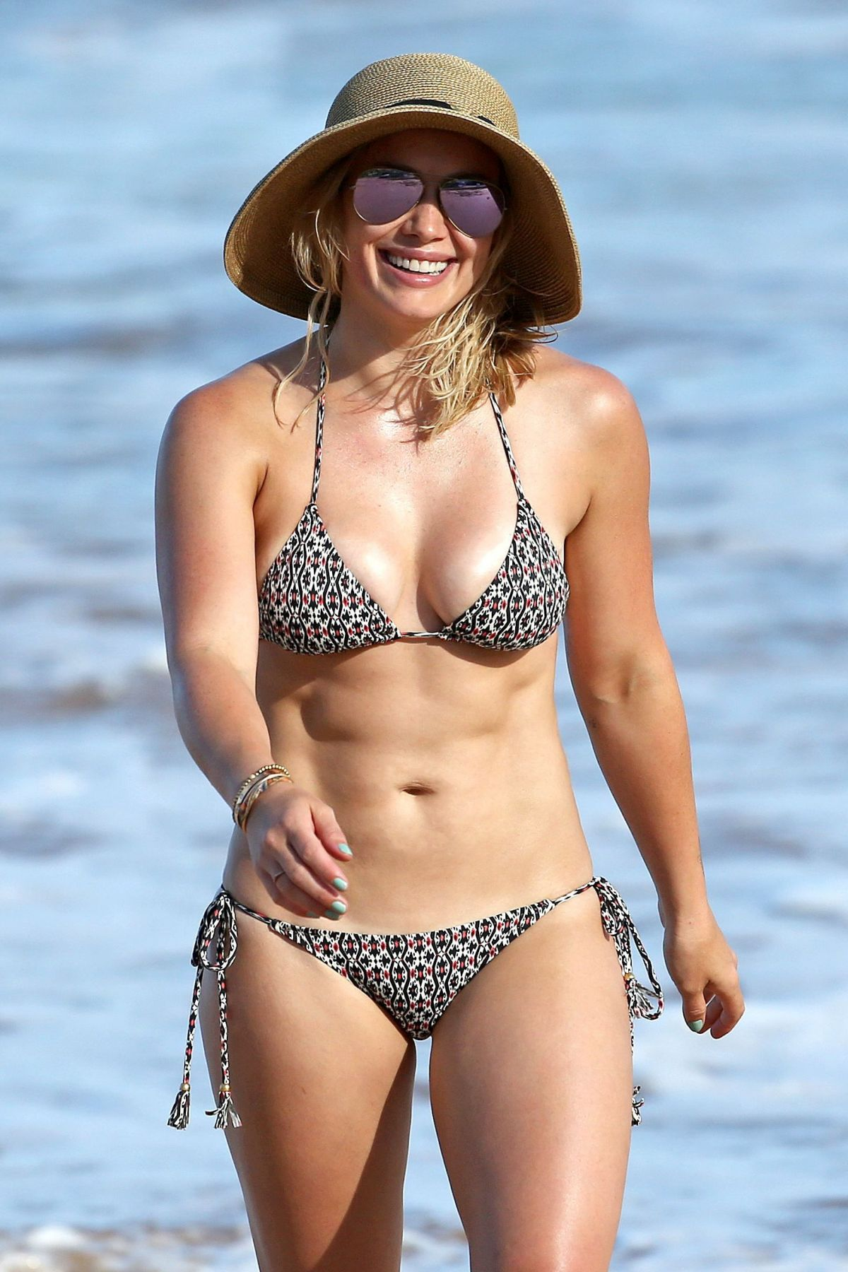 Hilary Duffs Bikini Body Has Seriously