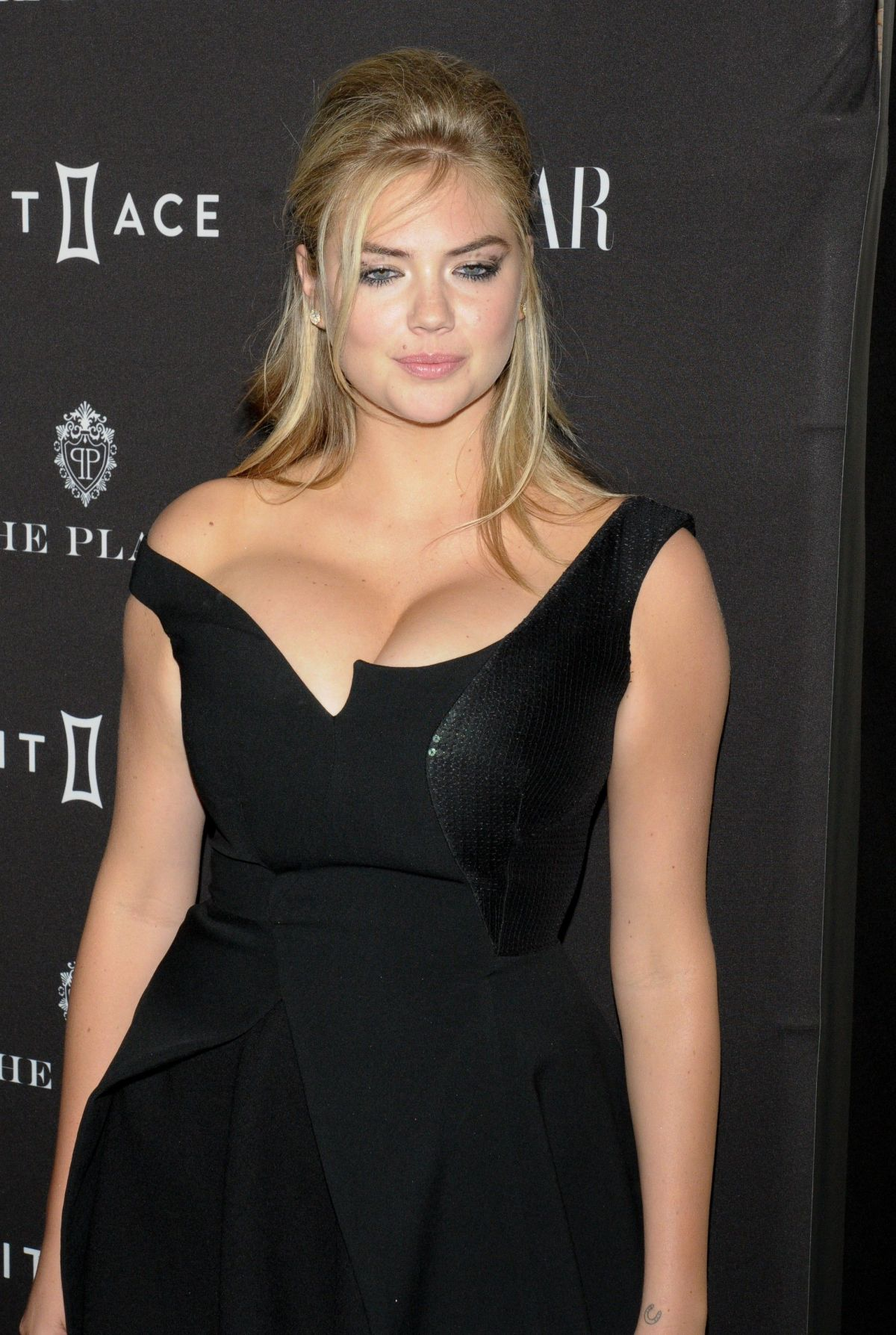 KATE UPTON at 2015 Harper's Bazaar Icons Event in New York 09/16/2015 ...