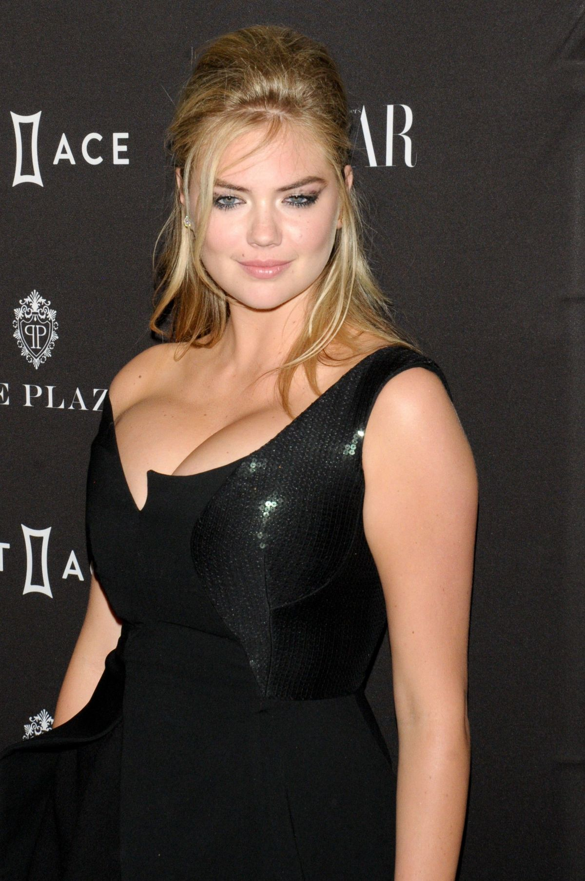 2015 S Most Popular Halloween Costumes By State Map: KATE UPTON At 2015 Harper's Bazaar Icons Event In New York
