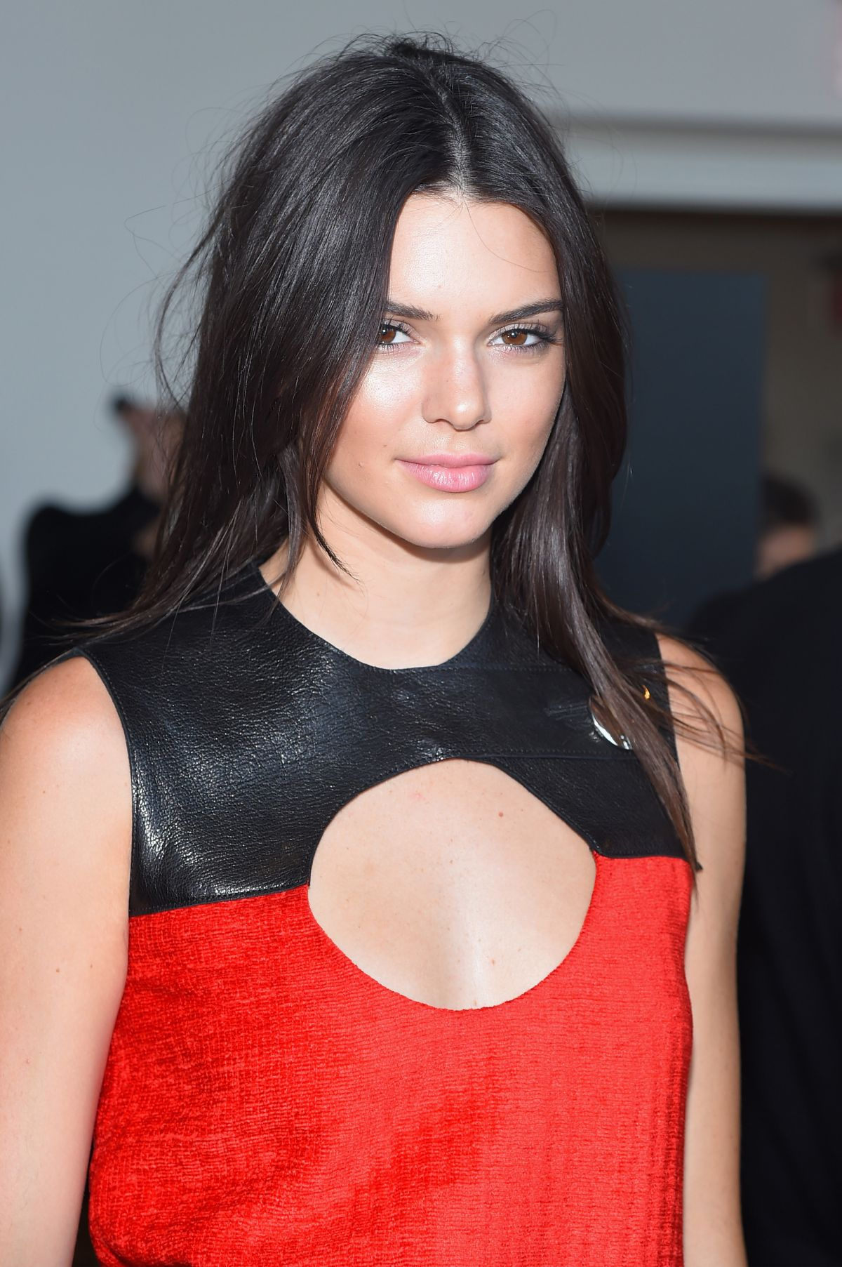 Kendall Jenner Caviar Kaspia Dinner After Pharmacy Stop: KENDALL JENNER At Calvin Kklein Fashion Show At NYFW 09/17