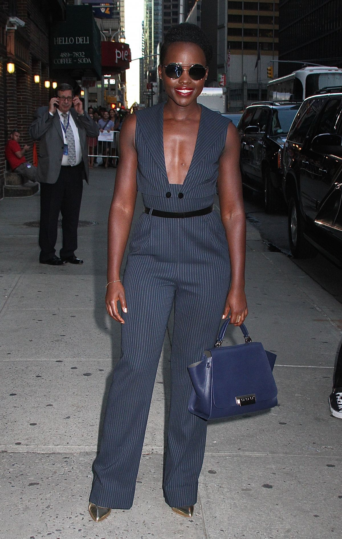 ... bet at home comment faire un retrait bet at home nie zalogować Arrives at The Late Show With Stephen Colbert in New York 10/08/2015