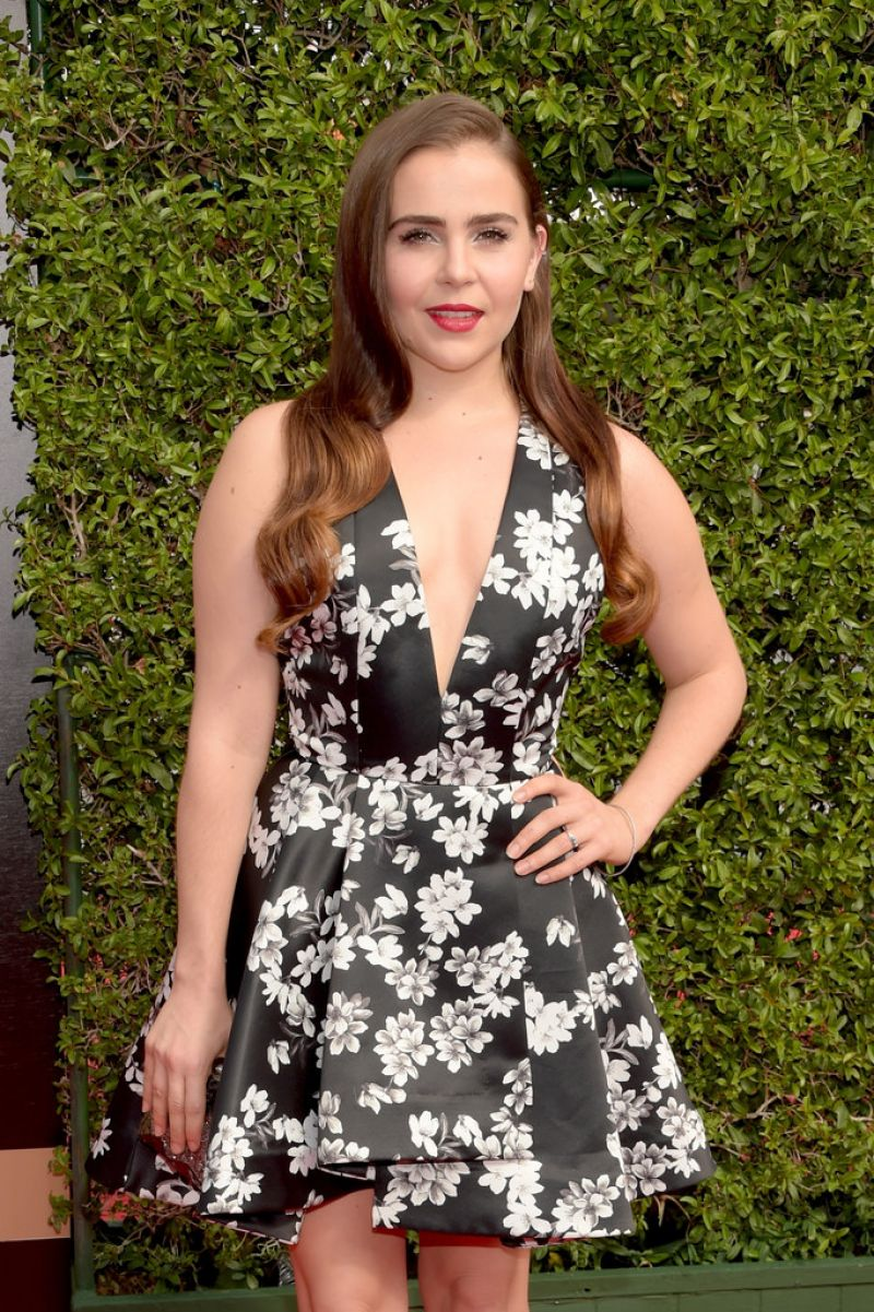 MAE WHITMAN at 2015 Creative Arts Emmy Awards in Los Angeles 09/12/2015