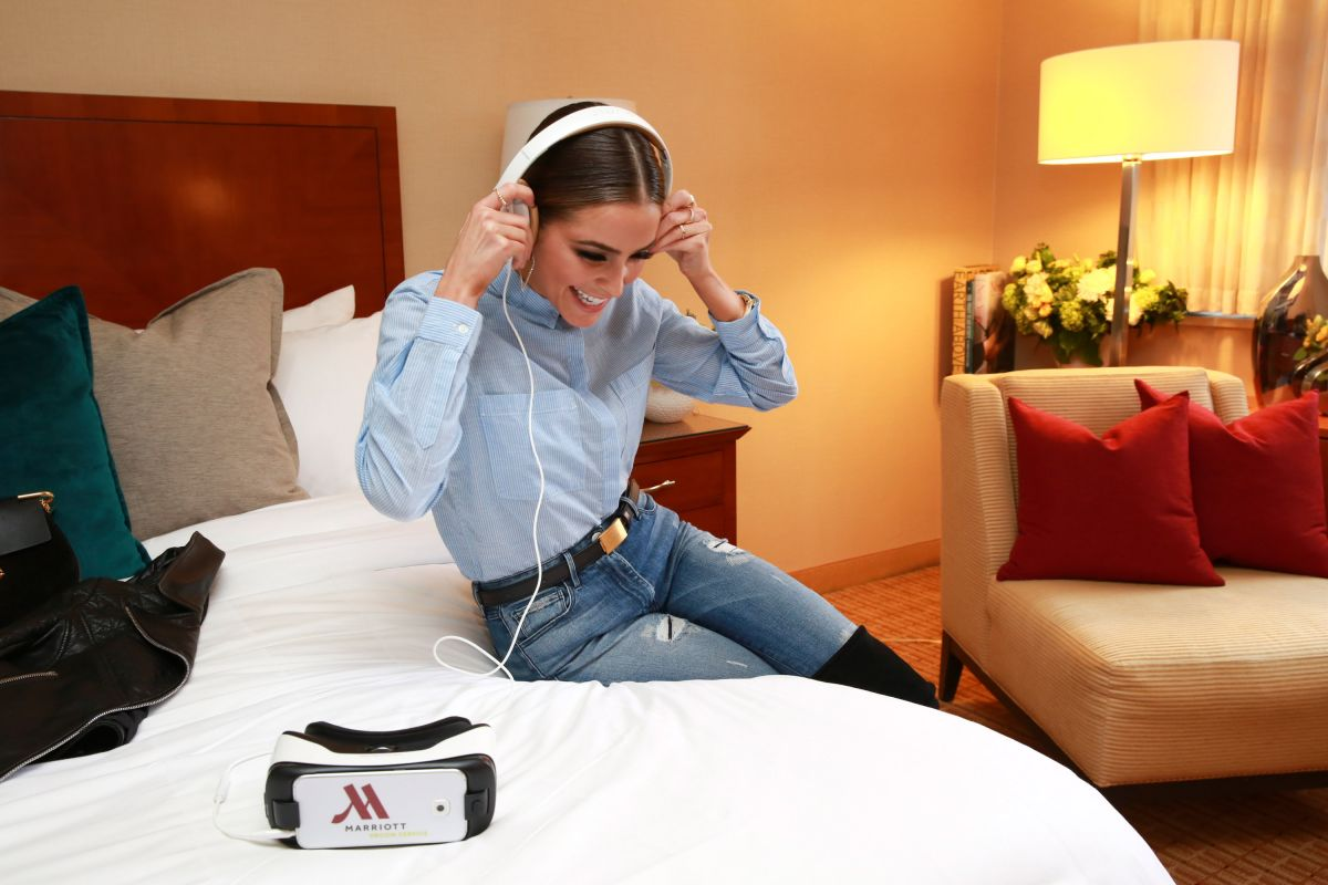 Room Service: OLIVIA CULPO Trying Out Virtual Reality Room Service At