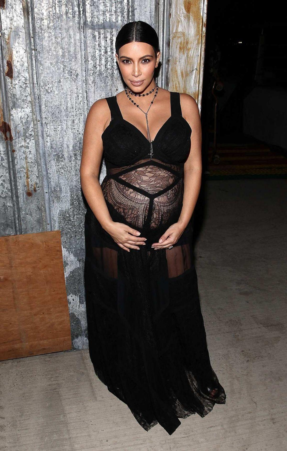 Pregnant Kim Kardashian At Givenchy Fashion Show In New York 09 11 2015 Hawtcelebs