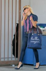 REESE WITHERSPOON Out Shopping in Beverly Hills 09/09/2015