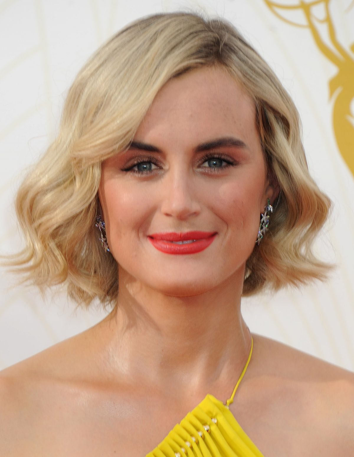 Taylor Schilling At 2015 Emmy Awards In Los Angeles 09 20 20158