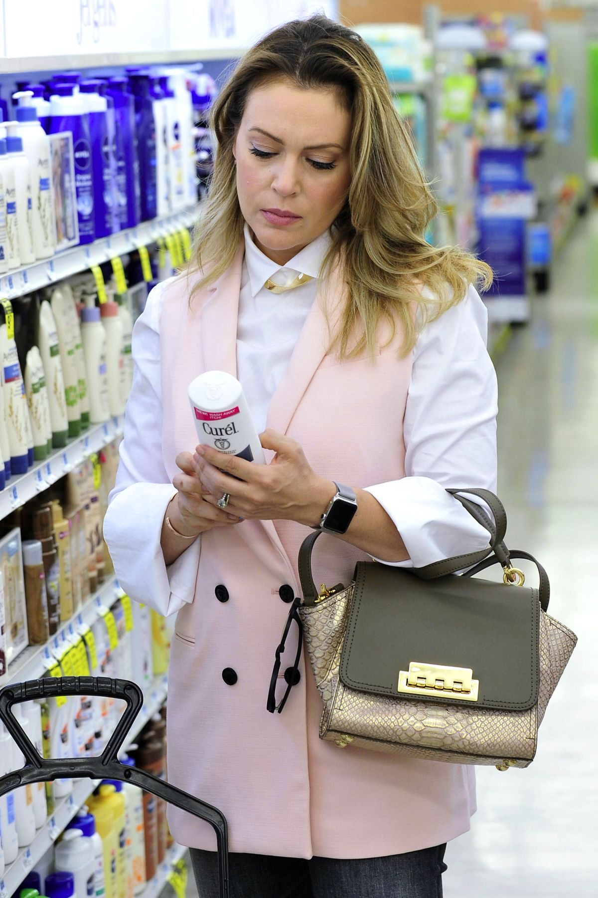 ALYSSA MILANO Shopping in Los Angeles 10/05/2015
