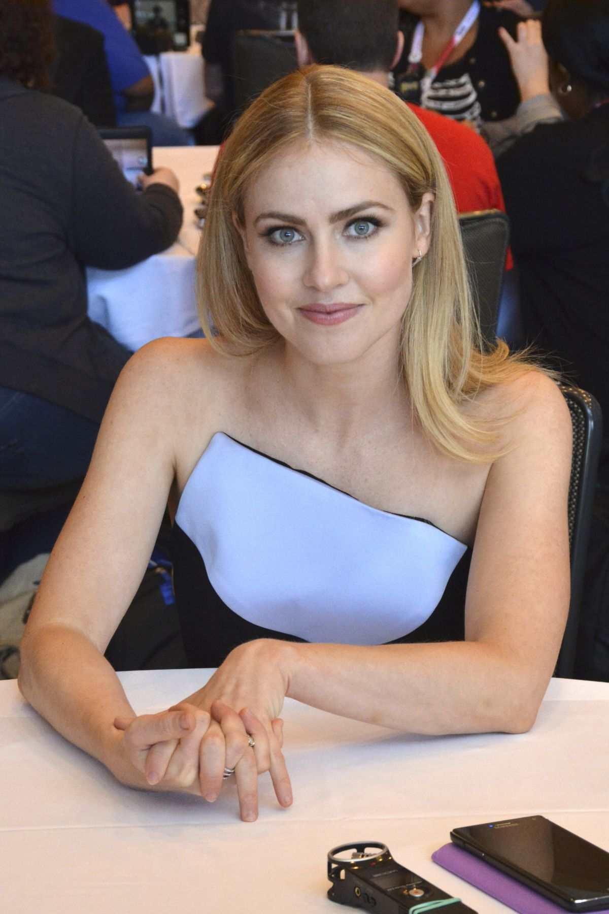 amanda schull in one - photo #41